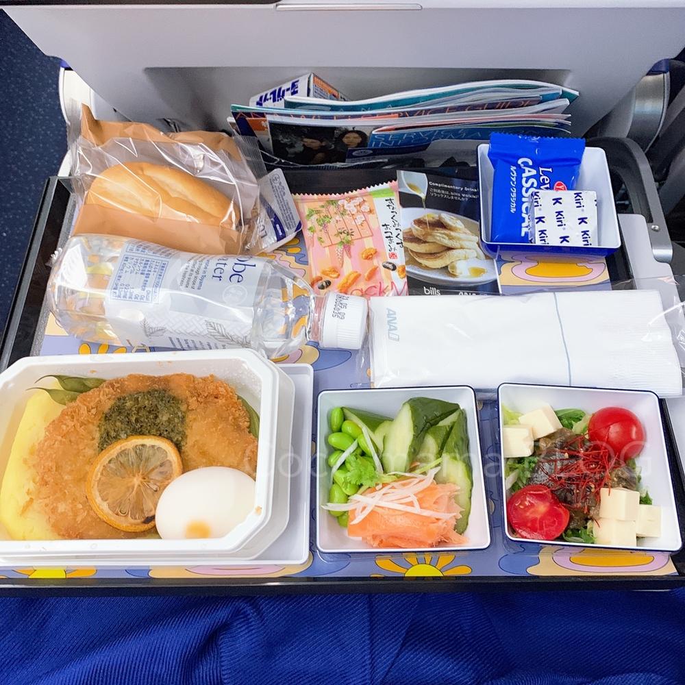 ANA a380 billsコラボ 機内食